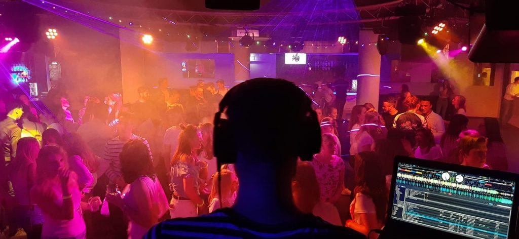 DJ Èvecue | Allround Bruiloft DJ